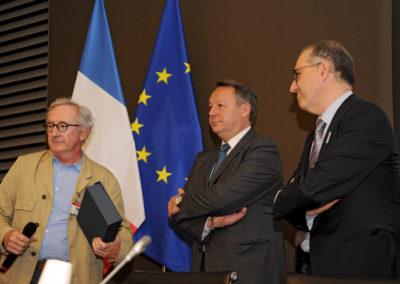 Franck RIBOUD (Président du CA Danone) - Thierry BRAILLARD (Secrétaire d'État aux Sports) - Jean-Luc SADIK (Président de TPS Conseil) 1